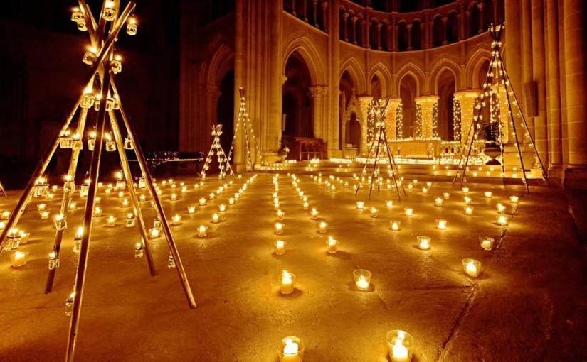 Noyon : la cathédrale illuminée de 3000 bougies